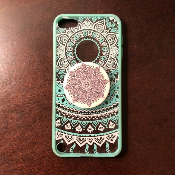 innovative design 73473 d6d7f iPod Touch 5th generation case with pop socket